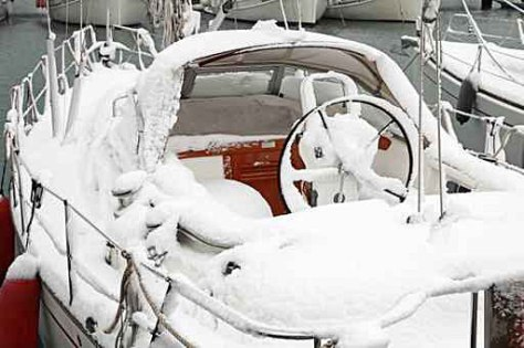 Jonas Storm snow and ice on a boat
